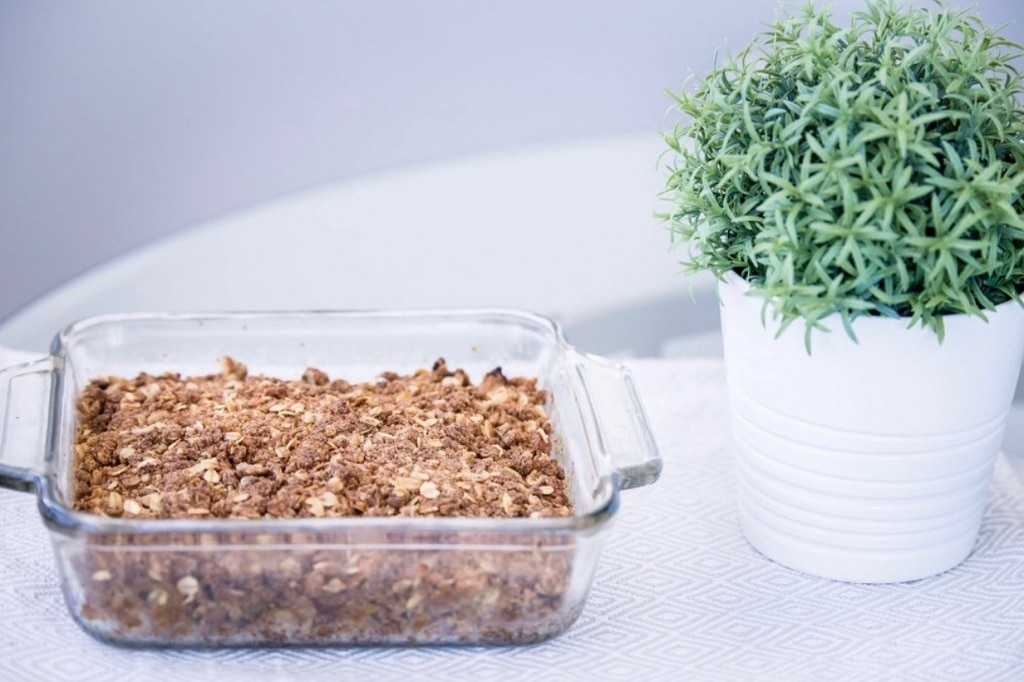 apple crisp in square pan